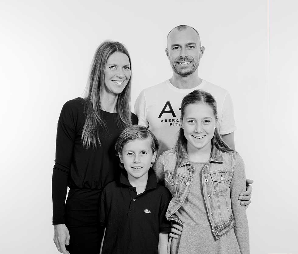 Gruppefoto af familie i Østjylland